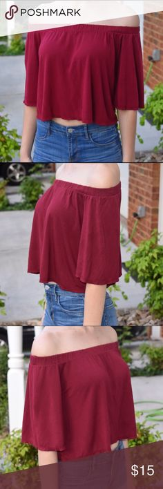 🌻 Maroon Off-Shoulder crop top NWOT! Absolutely flawless 💕 Maroon colored off the shoulder crop top with an elastic band all around the top to make sure it stays tight. Made in the USA 🇺🇸 PacSun Tops Crop Tops