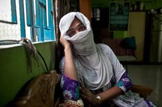 A Transgender Bangladeshi Changes Perceptions After Catching Murder Suspects - NYTimes.com