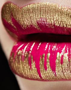 metallic gold & hot pink lips