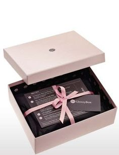 Be.You.tiful: Beauty Box - A Febre!  http://cleniadaniel.blogspot.pt/2013/07/Be.You.Tiful.Beautybox.html#more
