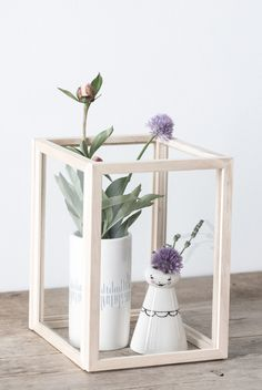 DIY : Make a beautifull still life for your home with wooden frames. An easy DIY home decor project by Søstrene Grene