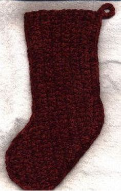 Quick 'n Easy Christmas Stocking by Priscilla Hewitt - part of a great roundup of free stocking patterns on mooglyblog.com