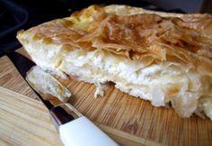 Feta sajtos börek tepsiben Feta, Oreo, Camembert Cheese, Favorite Recipes, Meals, Finger, Meal, Fingers, Yemek