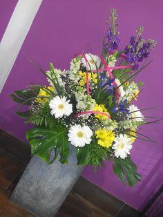 Centro de flor en columna de flor combinada elaborado por Floristeria Alameda en Cartagena