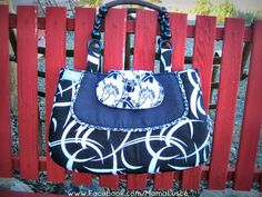Fancy Fylerion bag by Mama Lusco.  Links to free tutorial & pattern from Sew Sweetness.