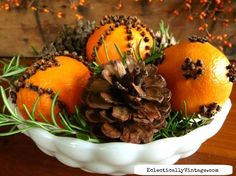 Learn how to make pomanders - a classic holiday decoration that smell amazing. See the right way to make pomanders so they last for years and years.