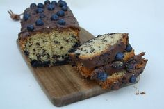 Recept: Bosbessen-stracctiatella cake Banana Bread, Muffin, Breakfast, Desserts, Blog, Handmade, Diy, Morning Coffee, Tailgate Desserts