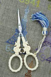 Scissors Ivory Way veined