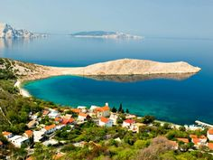 If your planing your next vacation in Croatia all we can say is yes, stop right here, book your flights and continue reading. After being several years in the camper van rental business and enjoying the Croatian coast for more then 40 years ourselves we can write down with full confidence that Croatia amazed even the most sceptical type of our guests, which were only a few by the way.