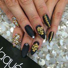 Skull nail art, black & gold nails