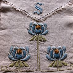 Vintage Linen Purse Embroidered Arts and Crafts by KerryCan, $50.00