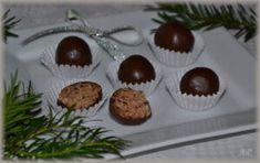 4 Margotky (400 g) 100 g změklého másla 100 g nastrouhaných piškotů 100 g jemně strouhaného kokosu 200 g salka (asi 1/2 plechovky) 50 ml rumu 50 ml mléka Čokoládovou polevu na polití kuliček Margotky nastrouháme na hrubém struhadle. Přidáme … Celý příspěvek →