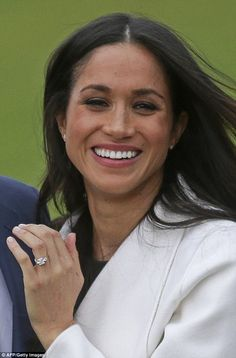 Replica of Meghan Markle's ring has become best-seller   Daily Mail Online