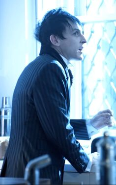 Robin Lord Taylor — oswald-cobblepot-addicted: Oswald's face profile...