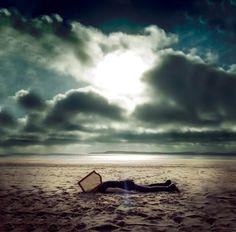 MusikCut: LOSERS - Nostalgia, Introspección y Agresión - How...