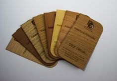 Abbiamo preparato un'offerta speciale per rappresentare la vostra attività in un modo unico! Biglietti da visita in legno, laminato plastico e carta pregiata incisi a laser CO2. Informazioni all'indirizzo: info@dex-druk.pl