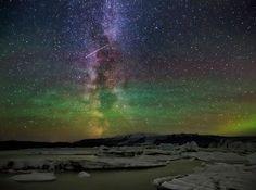 Milky Way , Aurora and a Meteor over Jökulsárlón Glacial Lagoon Iurie Belegurschi Photography Beautiful Sky, Beautiful Landscapes, Northern Lights Iceland, Iceland Island, Stars At Night, Album Photo, Aurora Borealis, Milky Way, Landscape Photographers