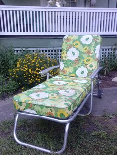 Vintage Mid Century Aluminum Collapsible Chaise Lounge Outdoor Patio Furniture Retro Mod Vinyl Zippered Cushions Wheels