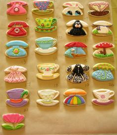 All of these cookies are done with a teacup cookie cutter! :: very cool