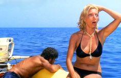 """Mariangela Melato con Giancarlo Giannini in """"Travolti da un insolito destino nell'azzurro mare d'agosto"""" (1974)"""