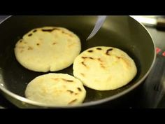 Como hacer arepas venezolanas - YouTube