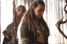 """The 100 -- """"Heavy Lies The Crown"""" -- Image HU402a_0333 -- Pictured: Tasya Teles as Echo -- Credit: Bettina Strauss/The CW -- © 2017 The CW Network, LLC. All Rights Reservedpn"""