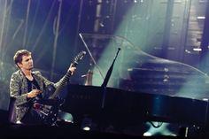 Matthew Bellamy, rock god. Muse.