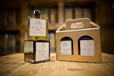 Due prodotti 100% italiani uniti in un'elegante confezione! Bottiglie impilabili, un design studiato e ricercato nel corso degli anni.... ricorda quella di un profumo, souvenir per tanti stranieri e non solo....