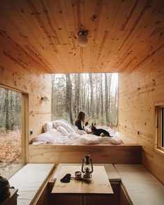Off-Grid House: Get Cozy in this Beautifully Designed Home! Off-Grid House: Get Cozy in this Beautifully Designed Home! Tiny Cabins, Tiny House Cabin, Tiny House Living, Tiny House Design, Cozy House, Tiny House Bedroom, Home Design, Tiny Houses, Off Grid House