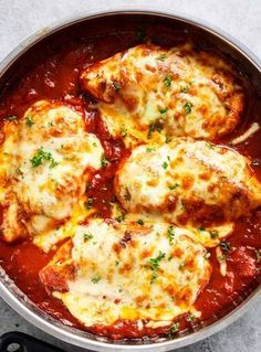 Easy Mozzarella Chicken Recipe (Low Carb Chicken Parm) Easy Mozzarella Chicken is a low carb dream! Seasoned chicken simmered in a homemade tomato sauce, topped with melted mozzarella cheese, this is the BEST Easy Mozzarella Chicken Easy Mozzarella Chicken Recipe, Low Carb Chicken Parmesan, Chicken Recipes, Keto Chicken, Baked Chicken, Oven Chicken, Chicken And Diced Tomatoes Recipe, No Carb Meals Chicken, Chicken Squash