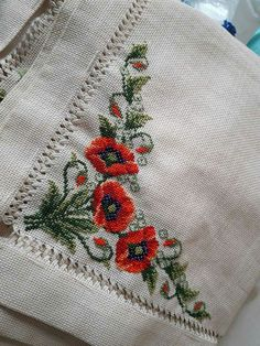 This Pin was discovered by Şeh Hand Embroidery Tutorial, Embroidery Applique, Cross Stitch Embroidery, Embroidery Patterns, Cross Stitch Fruit, Cross Stitch Flowers, Needlepoint Designs, Bargello, Christmas Cross