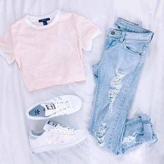 หวานไปเลยกับเสื้อยืดสีชมพูน่ารัก