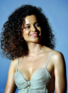 Kangana Ranaut's Latest Hot Sexy Cleavage Revealing Dress Photos At Krrish 3 Trailer LaunchHOT Kangana Ranaut hot Cleavage Stills at krrish 3 trailer launch , Kangana Ranaut hot Sexy cleavage pics, Kangana Ranaut hot cleavage wet stills, Kangana Ranaut hot and spicy images in krrish 3 , Kangana Rana