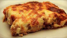 Πατάτες με κοτόπουλο και μπεσαμέλ στο φούρνο. Το ογκρατεν της ζωής σου! Recipes With Chicken And Potatoes, Chicken Potato Bake, Chicken Potatoes, Baked Chicken Recipes, Baked Potatoes, Potato Lasagna, Potato Sauce, Sliced Potatoes, Turkish Recipes