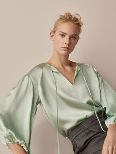 Women´s Shirts & Blouses at Massimo Dutti online. Enter now and view our Spring Summer 2019 Shirts & Blouses collection. Satin Blouses, Shirt Blouses, Shirts, Pencil Skirt Black, Pencil Skirts, Blouse Outfit, Minimal Fashion, Fashion Outfits, Womens Fashion