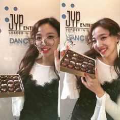 HAPPY VALENTINE #happyvalentineday #nayeon #twice #oneamillion #once #cute #adorable #jyp인스타그램오픈이벤트 # #vlive