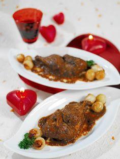 Perdiz con chocolate ¿Te atreves con un plato diferente?   Esta perdiz te sorprenderá: http://www.mujeresreales.es/cocina/carnes/articulo/perdiz-con-chocolate-401455269044