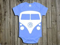 Hey, diesen tollen Etsy-Artikel fand ich bei https://www.etsy.com/de/listing/247777343/baby-gift-baby-boy-onepiece-volkswagen