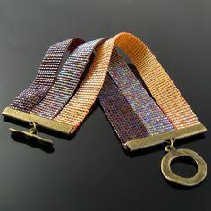 off loom beading Bead Loom Bracelets, Beaded Bracelet Patterns, Jewelry Patterns, Tablet Weaving Patterns, Loom Weaving, Seed Bead Patterns, Beading Patterns, Beading Ideas, Stud Earrings