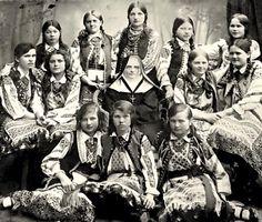 Vintage Photographs, Vintage Photos, Folklore, Ukrainian Art, Winter's Tale, Folk Costume, My Heritage, Historical Photos, Old Photos