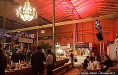Wer in die große lichtdurchflutete Arminius-Markthalle in Berlin-Moabit eintritt wird von einem ganz eigenen Gefühl erfasst und auf Entdeckungstour geschickt. 1891 wurde die Arminius-Markthalle eröffnet und ist nach einer aufwendigen Restaurierung im Jahre 2010 nun ein lebendiger Anziehungspunkt weit über Berlin hinaus geworden. Die Markthalle ist ein grüner Palmen- und Marktgarten, hier könnt Ihr Eure Mitarbeiter mit einem bezaubernden Weihnachts-Ambiente unter Palmen überraschen.