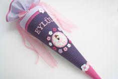 *Zauberhafte Schultüte mit süßer Ballerina*  - verschiedene Stoffe - hochwertige Stickapplikation mit Strasssteinchen - Häkelblümchen - Häkelborten - Zackenlitze - Schrägband - verschiedene...