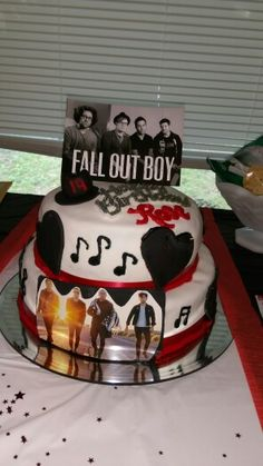 Fall Out Boy birthday cake If my parents loved me, they would get me this cake with MY name on it