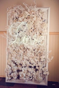 Bilderesultat for flower wall room.
