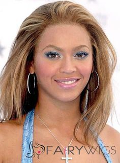 Beyonce with pretty light blue eyeshadow, highlights her brown eyes, blonde streaked hair, pretty natural pinky lipgloss, hoop earrings. Cheap Human Hair Wigs, Remy Hair Wigs, Human Hair Lace Wigs, Blonde Streaks, Brown Blonde Hair, Warm Blonde, Black Hair, Best Lace Wigs, Best Wigs