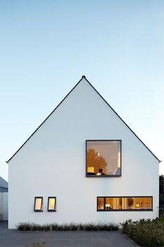 Haus MF: Moderne Häuser Von Lioba Schneider