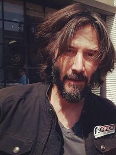 Keanu Reeves out and about August 2017 Twitter @agnesRD