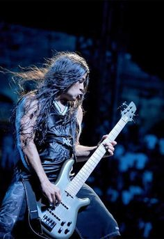 Rob Trujillo, fantastically talented bassist for Metallica, and formerly Suicidal Tendencies Bass Guitar Notes, Bass Guitar Case, Bass Guitar Lessons, Cool Guitar, Guitar Tabs, Learn Guitar Online, Learn To Play Guitar, Metallica, Robert Trujillo