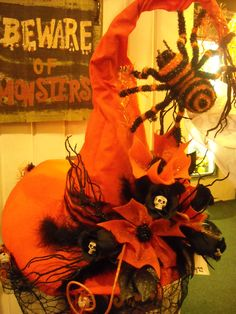 original witch hat by Taylor's - not sure I like the spider (too cute) but the o. - original witch hat by Taylor's – not sure I like the spider (too cute) but the orange is magnif - Scary Halloween Decorations, Halloween Trees, Halloween Projects, Halloween 2017, Holidays Halloween, Happy Halloween, Halloween Images, Halloween Witch Hat, Halloween Cosplay