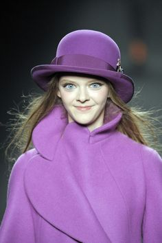 Am I brave enough to wear this much purple? Purple Love, Purple Shoes, Purple Lilac, All Things Purple, Purple Rain, Shades Of Purple, Purple Dress, Red And Blue, Funky Hats